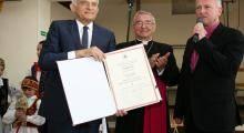 Prof. J. Buzek Człowiekiem Pojednania