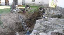 Wykopaliska przy kościele w Nowym Sączu
