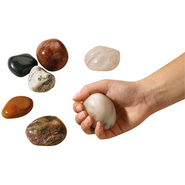 Gładko oszlifowane kamienie, ok. 30 sztuk