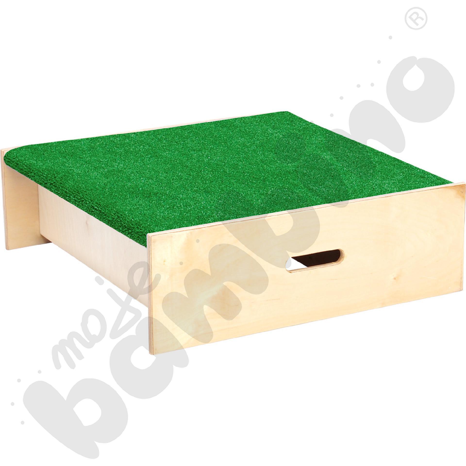 Podest kwadrat z trawką wys. 20 cm