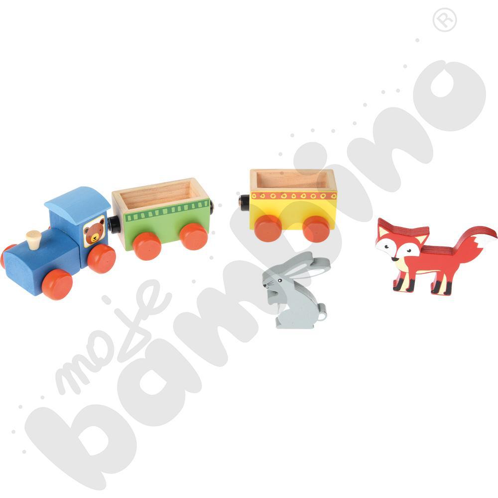 Drewniany pociąg ze zwierzętami