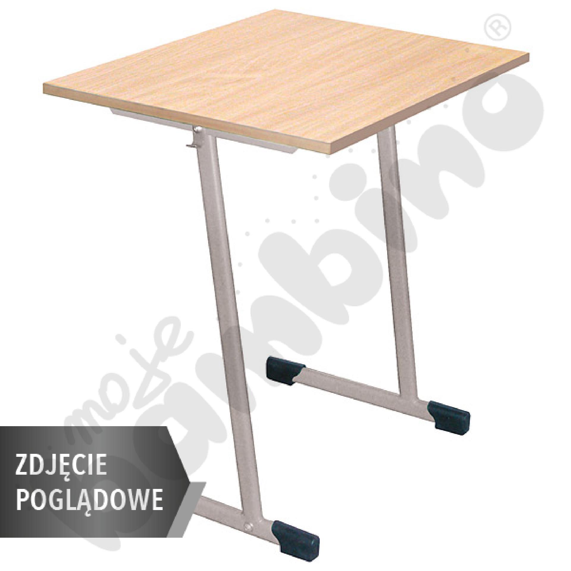 Stół T 70 x 50 rozm. 2-3, 1os., stelaż czerwony, blat HPL biały, obrzeże drewniane, narożniki proste