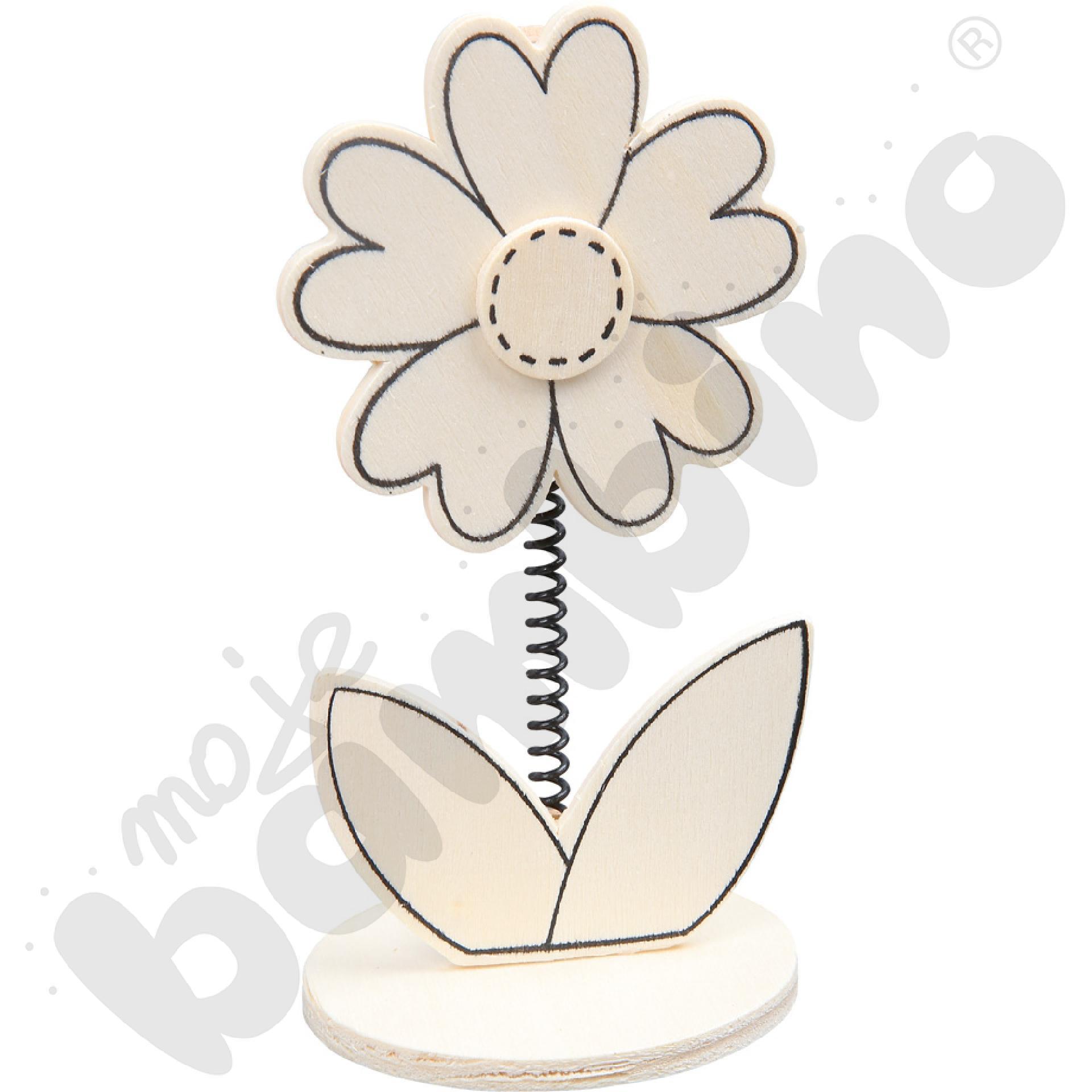 Drewniany kwiatek do dekorowania