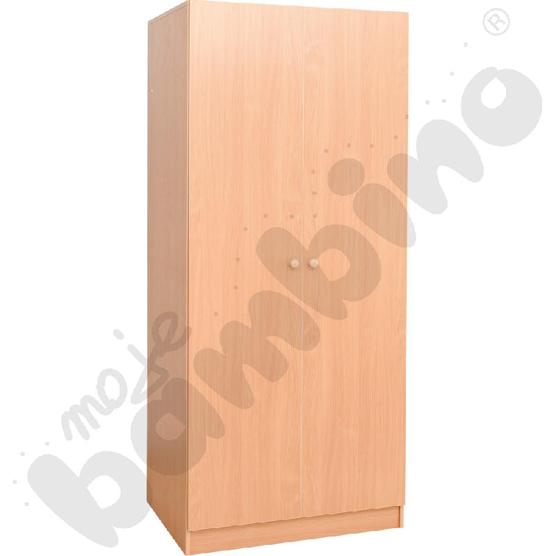 Szafa z drzwiami na pościel i 8 materacy