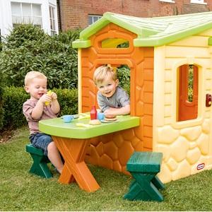 Place zabaw, ogród w żłobku