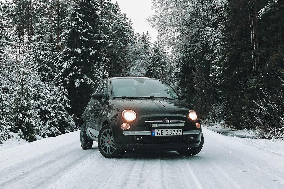 Opony zimowe w aucie o małej mocy silnika